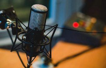 Promouvez votre stat-up avec les podcasts