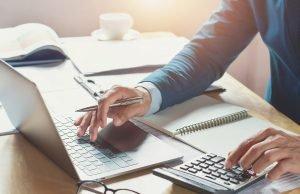Un expert comptable traditionnel ou en ligne